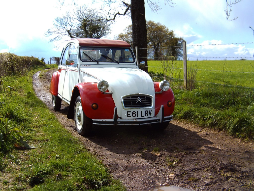 Rutted track? No problem. That's where we see the 2CV come good