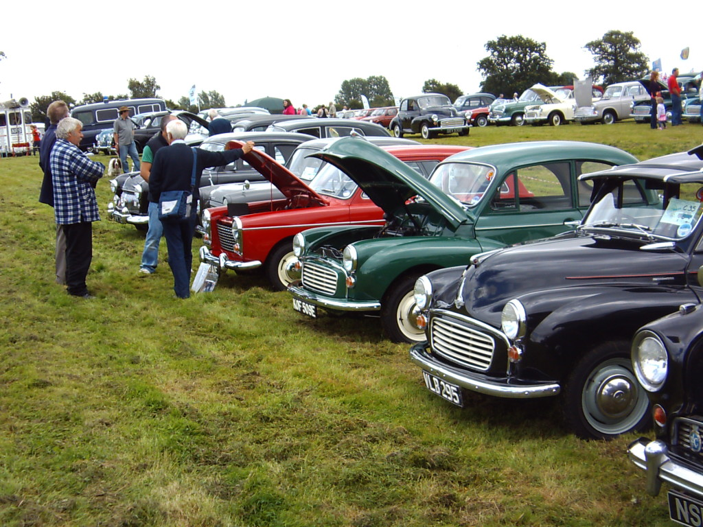 Morris Minors at the BL Spares Day