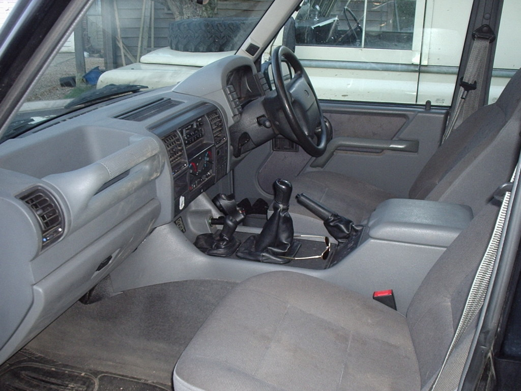 1998 Discovery Interior